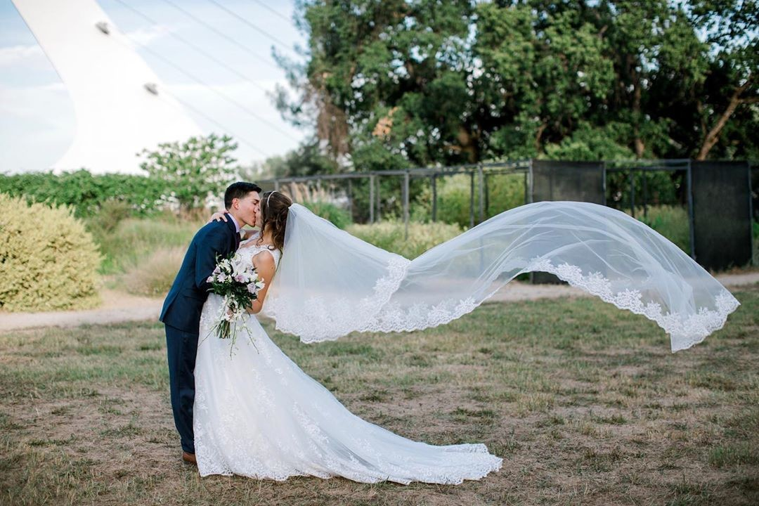 When your veil and the wind work in perfect unison, you end up with magic! 💗🙌
