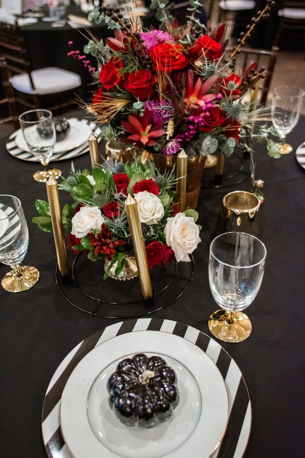 black gold and red wedding table