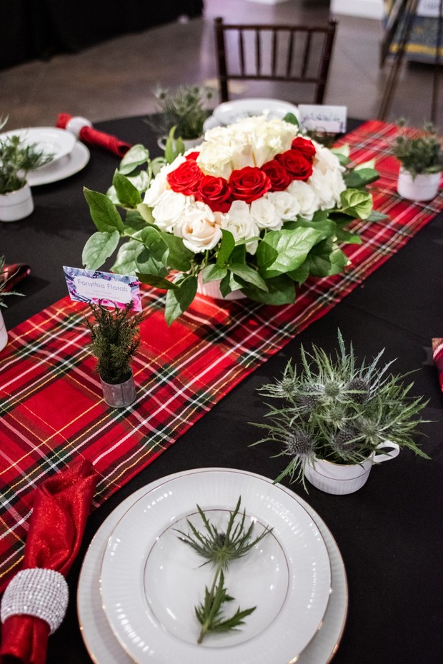 plaid red and white table decor