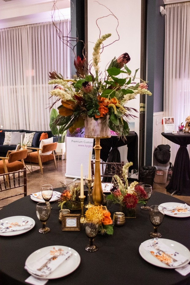 black and gold floral table decor