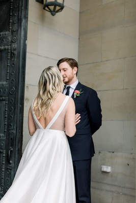 A Sweet And Chic Modern Wedding Day
