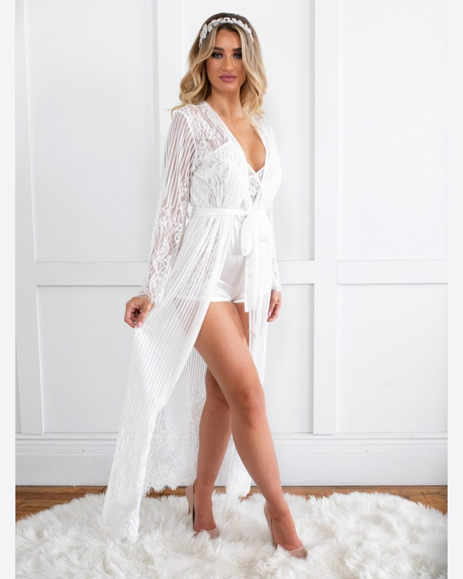 For the bride 👰🏼 our Berson Long Lace Stripe Robe 💗
