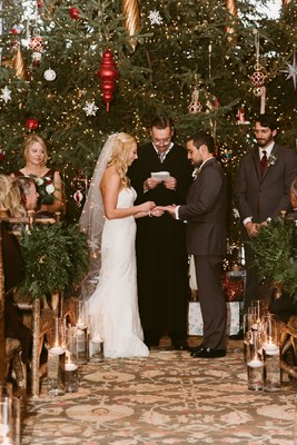 Snowy Christmas Card Style Wedding At Lake Placid