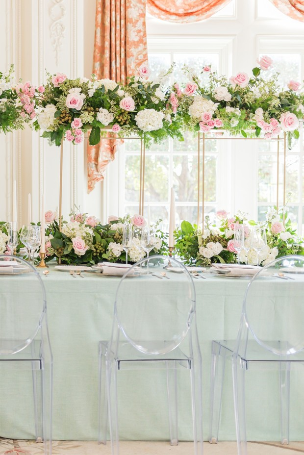 pastel green and gold wedding table decor