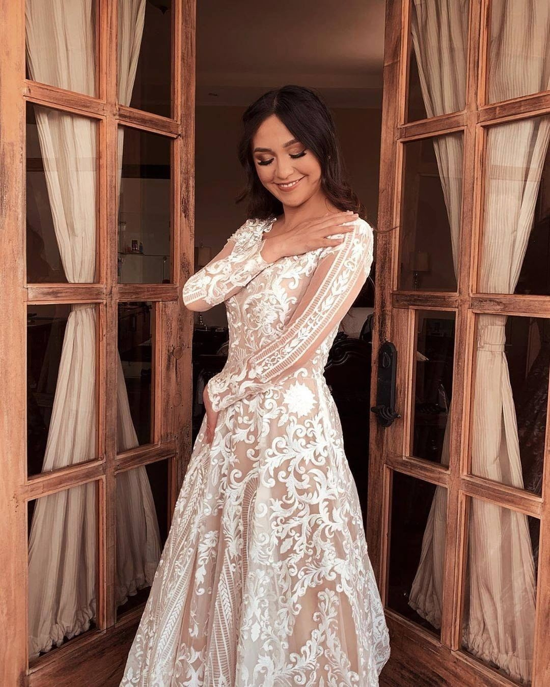 How many soon to be brides are going dress shopping this weekend?! 💫 If you're a fan of style