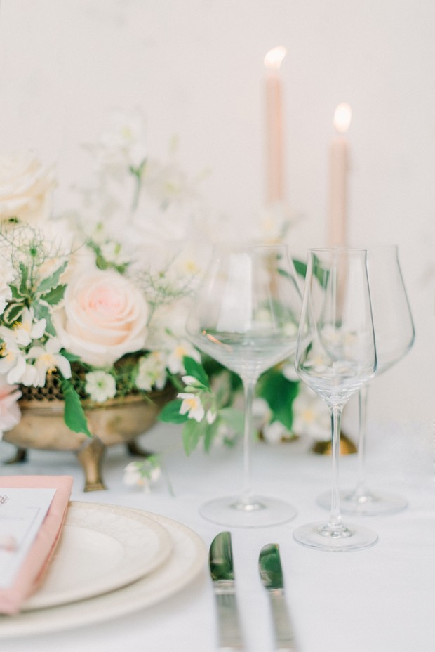 blush and white place setting