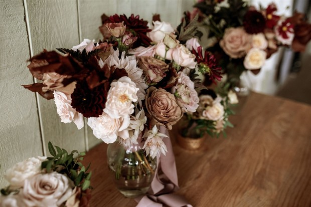 white and burgundy wedding flowers