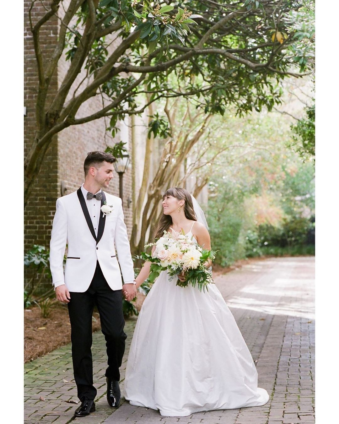 Another gallery delivered 🥂 Kayla and Dillon are not only a wonderful couple, but they are also one of the most stylish and design