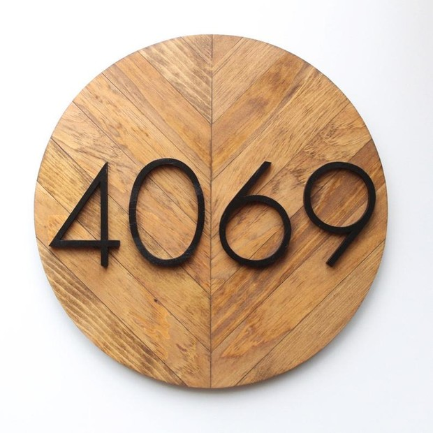 Custom house address sign