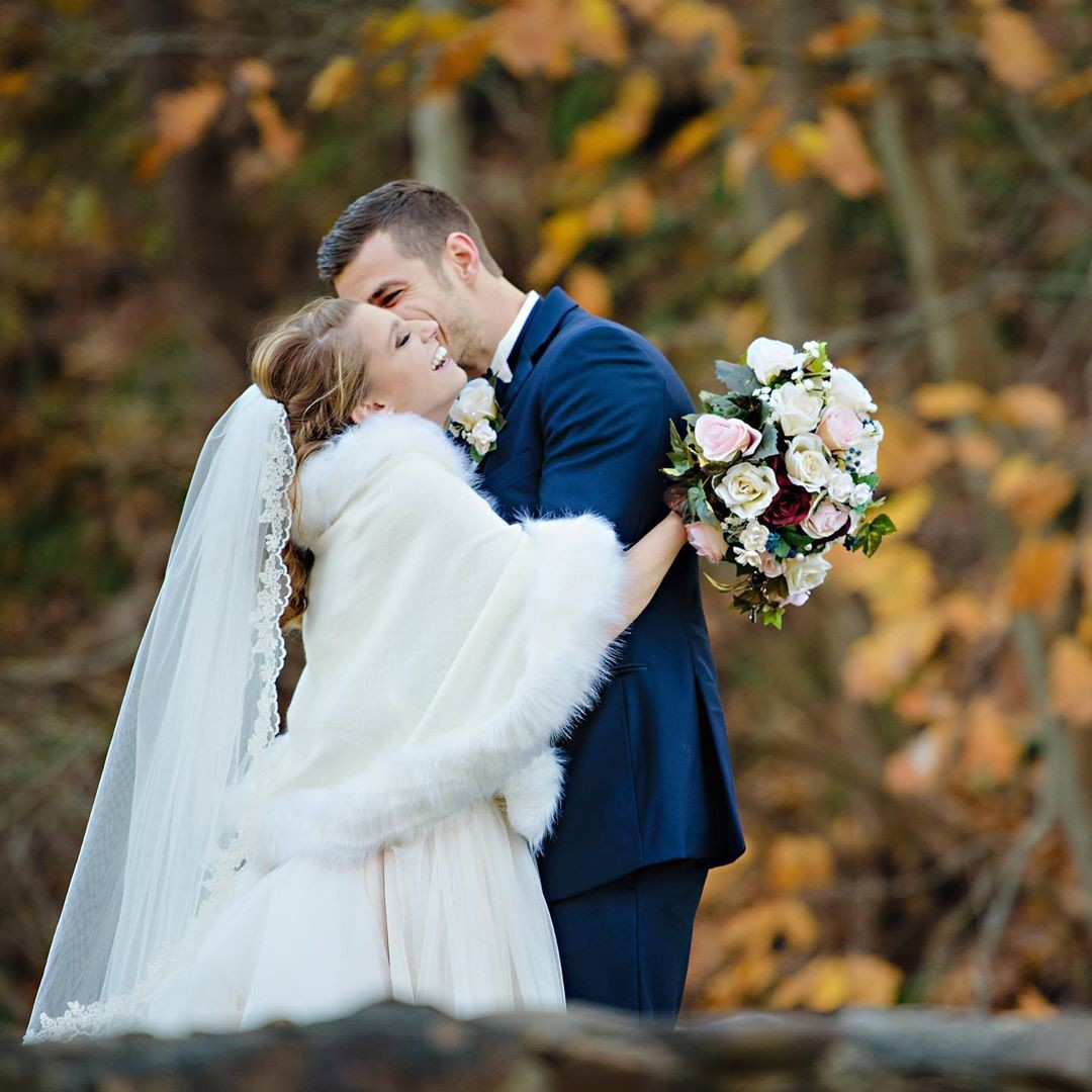 Today's wedding with Rachel and Brian was the one wedding I seem to have every year that dances between autumn and winter. There's