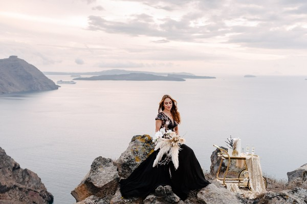 Some Gold And Black Volcanic Wedding Ideas