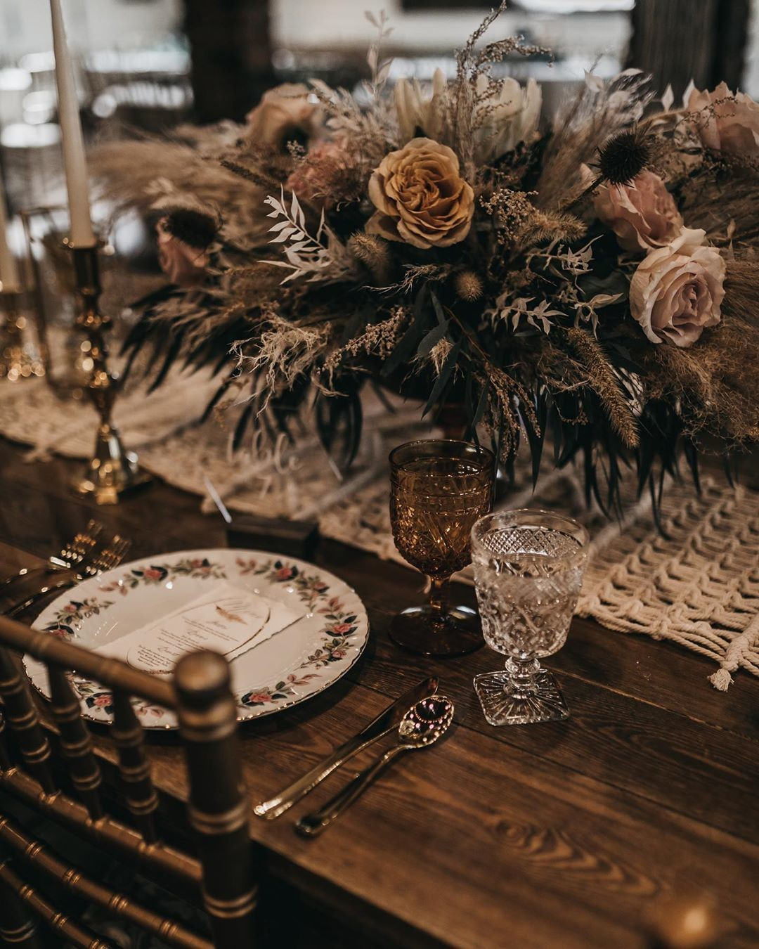 Table shots are some of my most favorite! And still totally feeling boho vibe weddings of all shapes and colors!