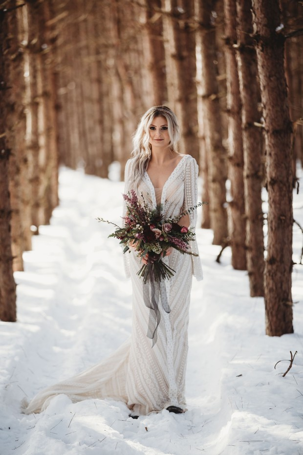 boho bridal style for your winter wedding day