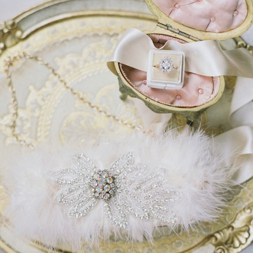 Blush means romantic & dreamy!!! This bridal clutch had it all gorgeous feather details and a touch of sparkle.