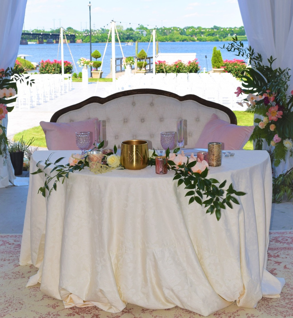Maryland Weddings at La Banque at the Seaplane Base, our stunning waterfront wedding venue. Complete with a 200 capacity event tent
