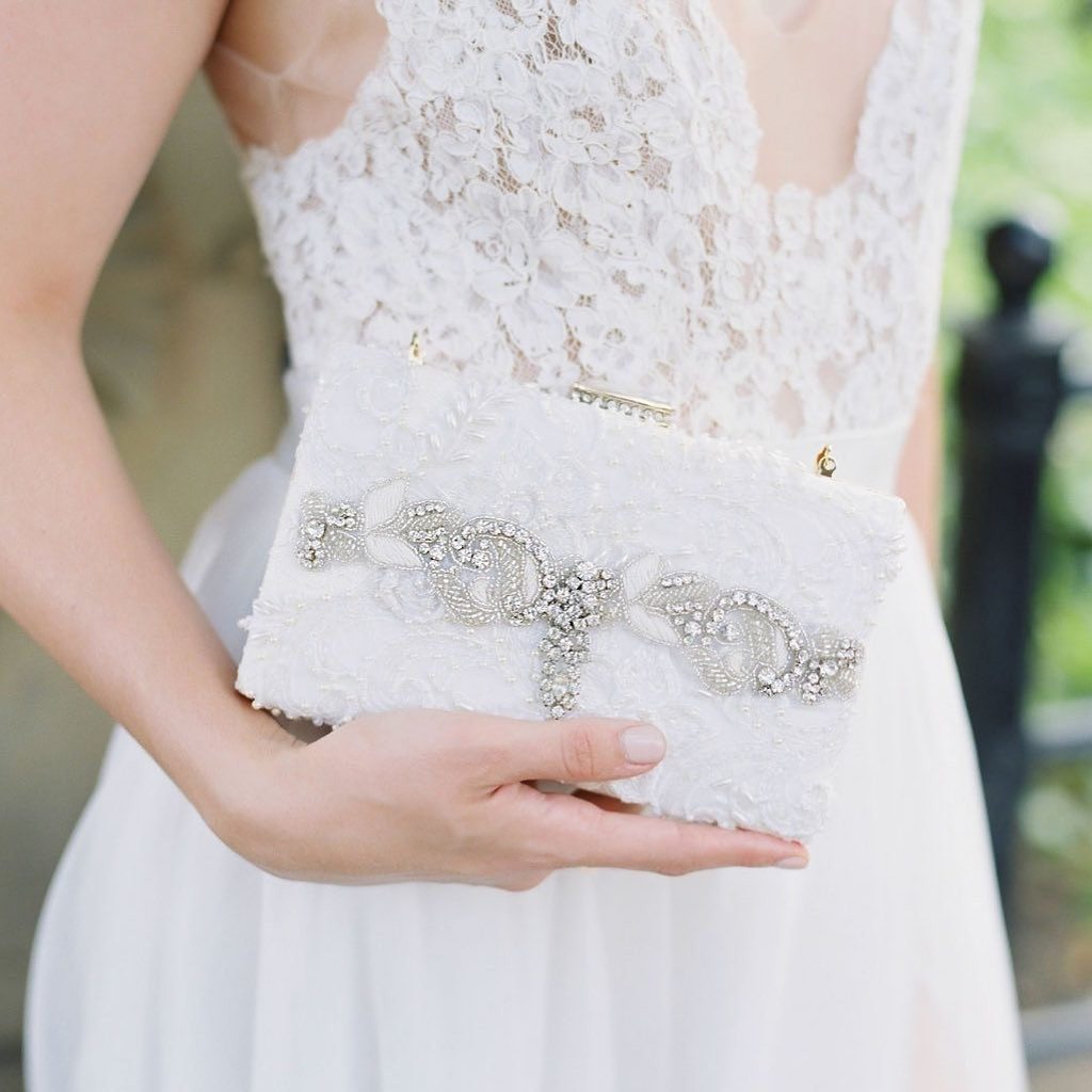 Just a little touch of vintage glam! #vintagebride