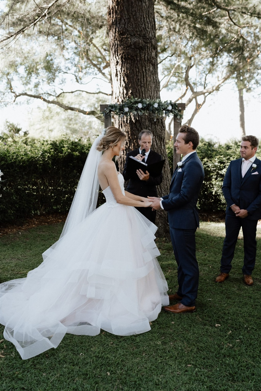 A fairy tale wedding at Gabbinbar Homestead with Celebrant Jamie Eastgate of Brisbane Coty Celebrants. View the full real wedding blog