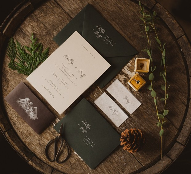 modern wedding invitations with rustic mountain vibes