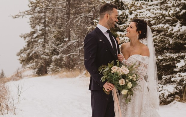 snowy winter wedding photo session