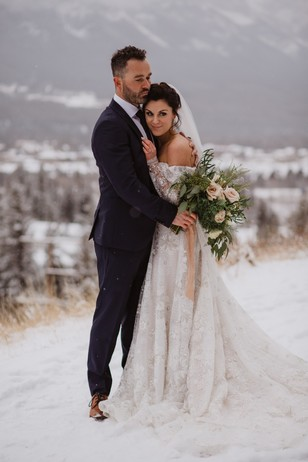 Canadian Rocky Mountain Winter Wedding photo ideas