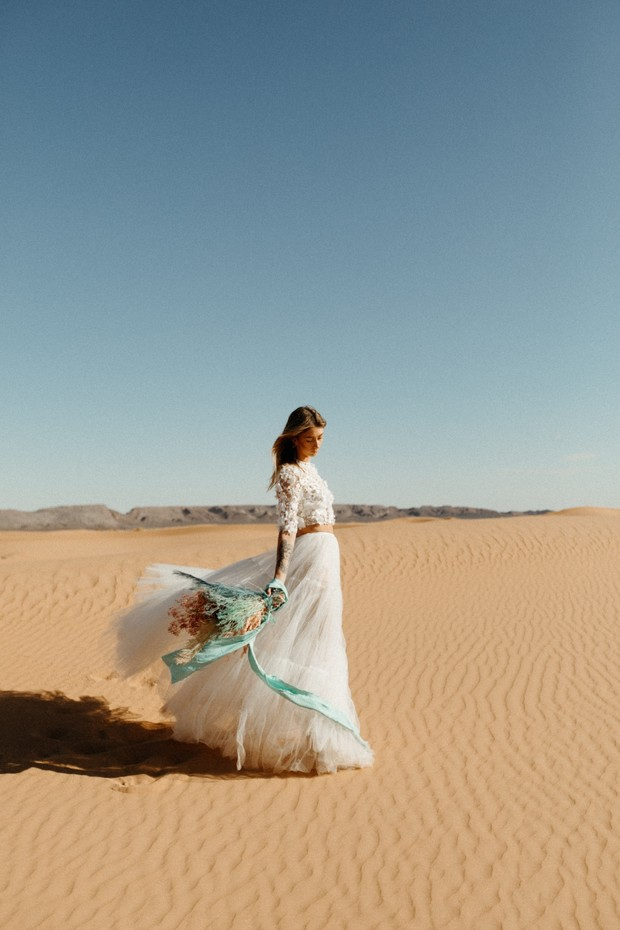 wedding look for your desert wedding