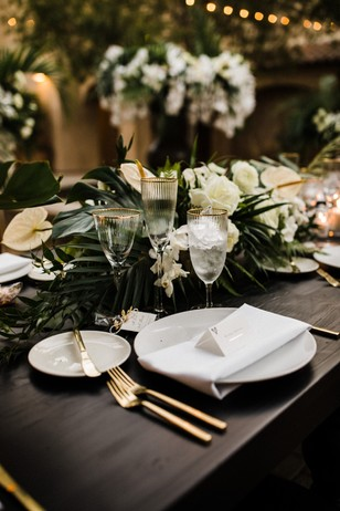 gold and white wedding modern chic table decor
