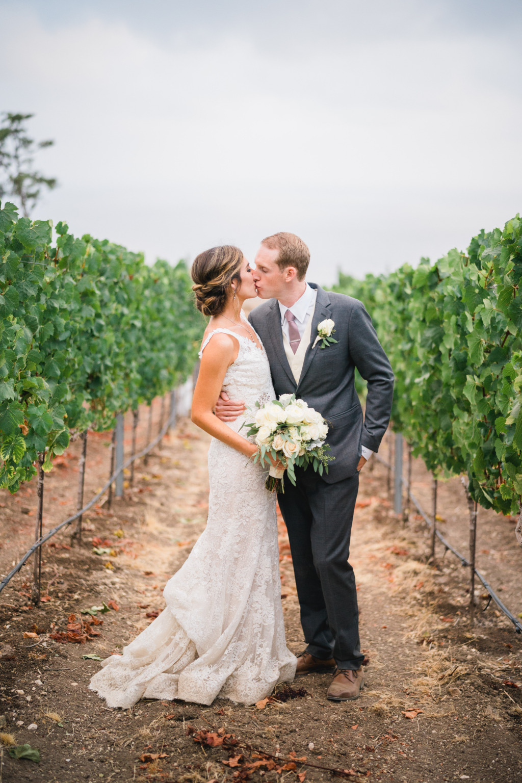 Catalina View Gardens is a truly elegant wedding location with vineyard pathways and panoramic views of the Pacific Ocean. The ceremony