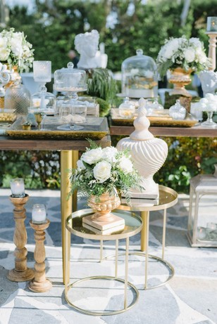 outdoor wedding dessert table
