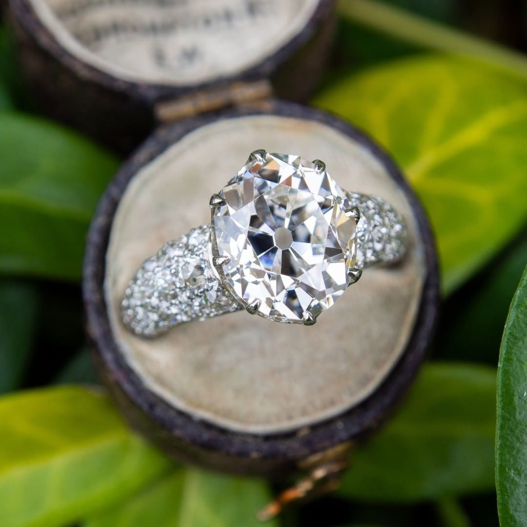 Antique Diamond Engagement Ring Oval Cut 3.70ct G/VS2 GIA. Sku RR14091.