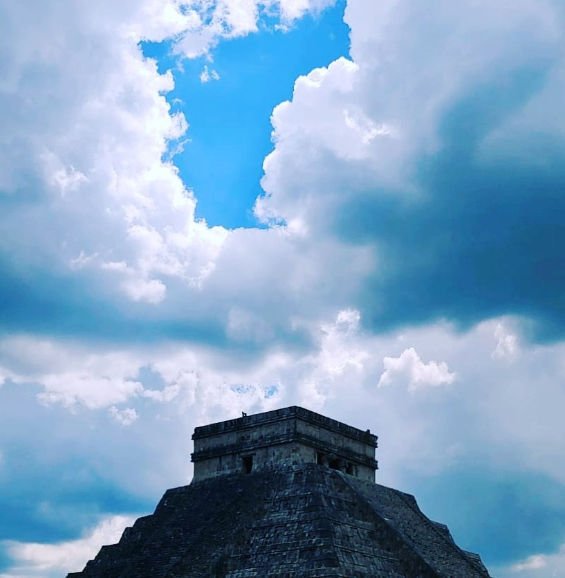 SO much history to be enjoyed at the Mayan ruins #chichenitza