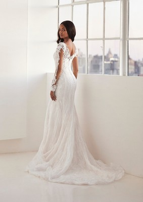 Ashley Graham and Pronovias Now Have a Collection for Curvy Brides