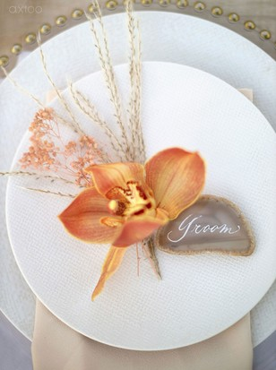 orchid and geode place setting decor