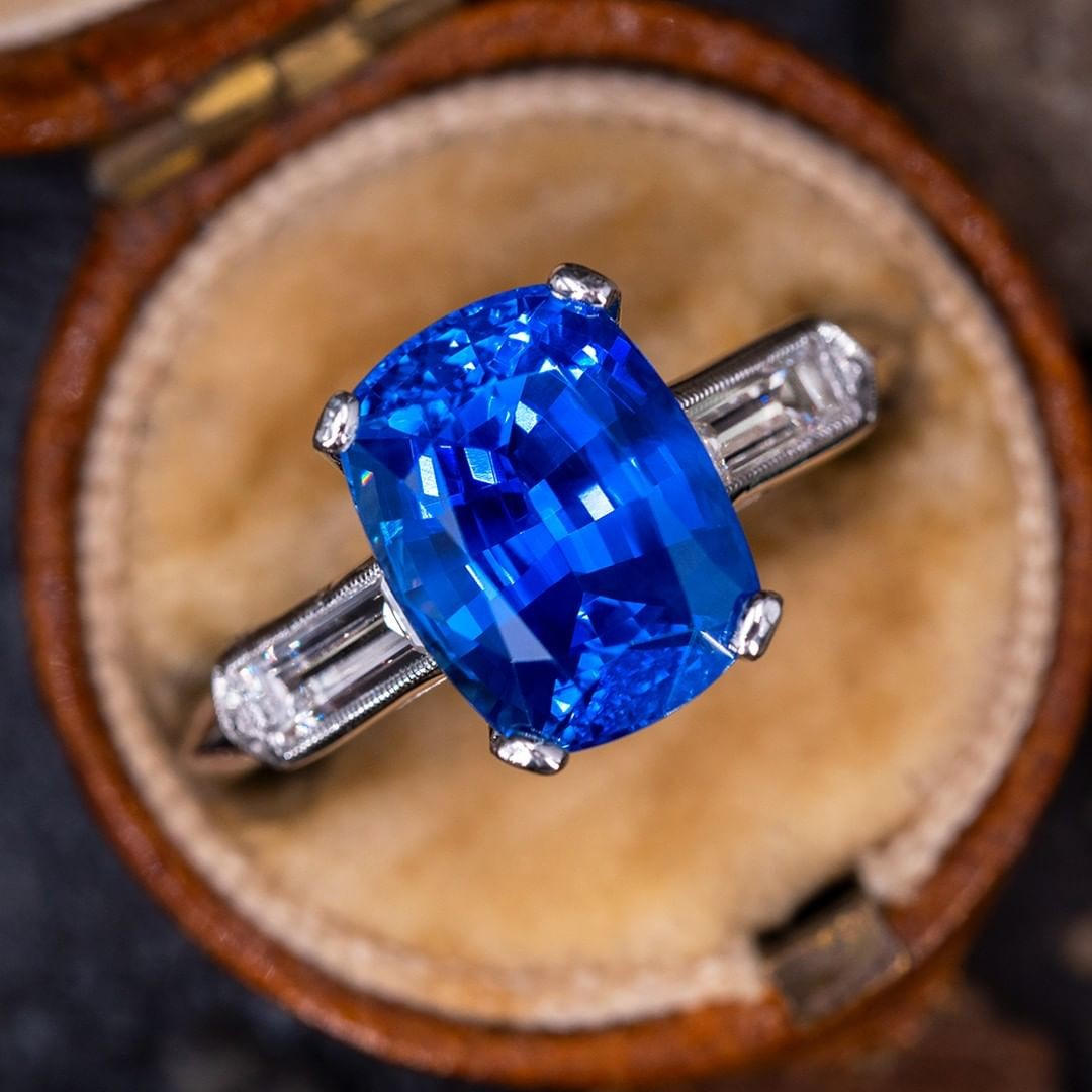 Start your New Year with the most breathtaking sapphire we have ever listed for sale. Sku WM13004.