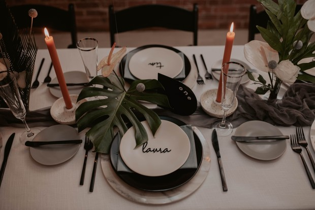 contemporary wedding place setting