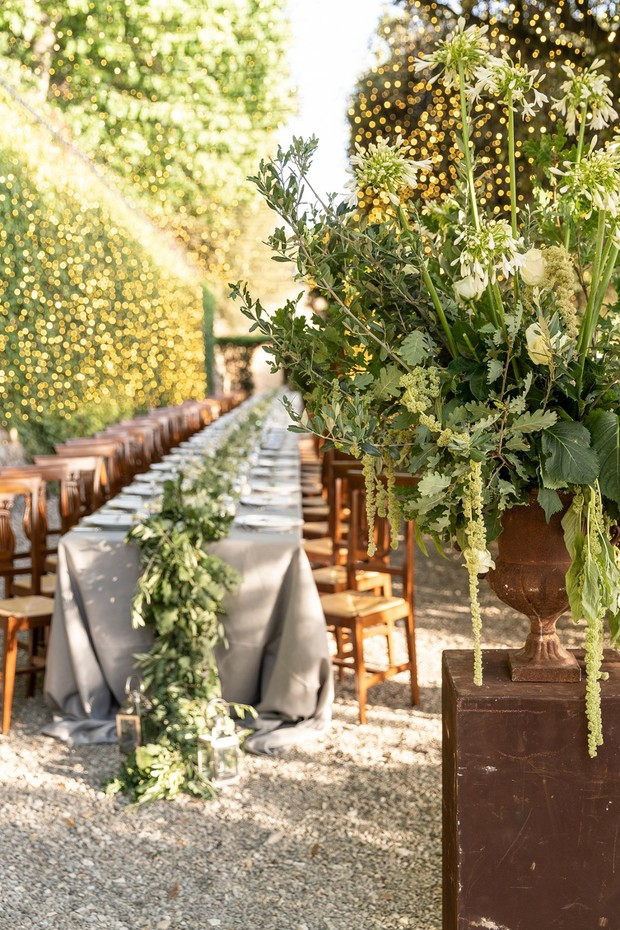 family style reception seating in Tuscany