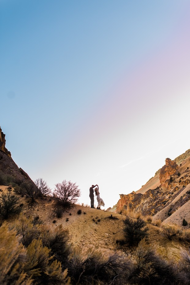 Adventurous elopement in Leslie Gulch