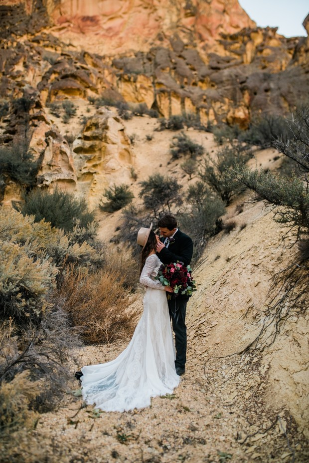 elopement in the desert