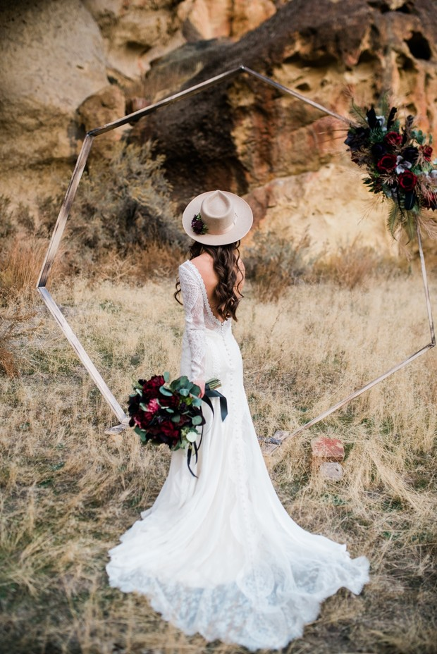 Boho bridal look with hat