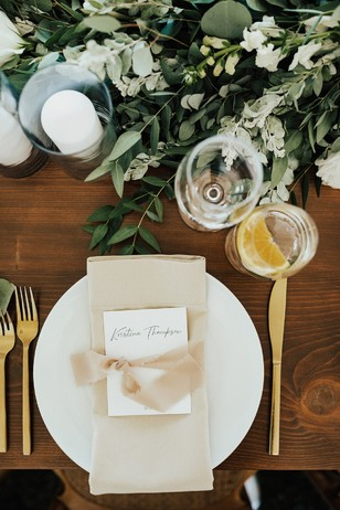 gold and champagne wedding place setting