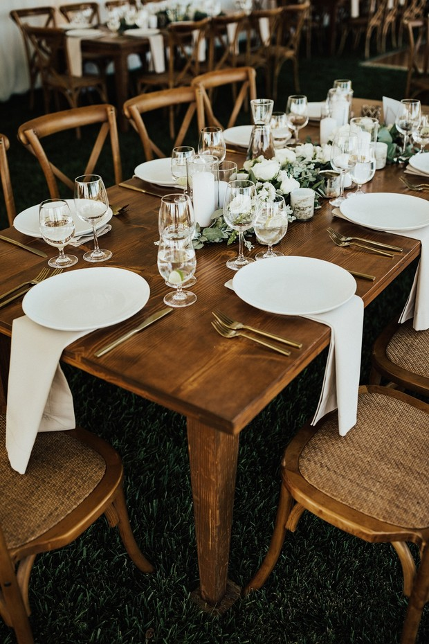 white and chic wedding table decor