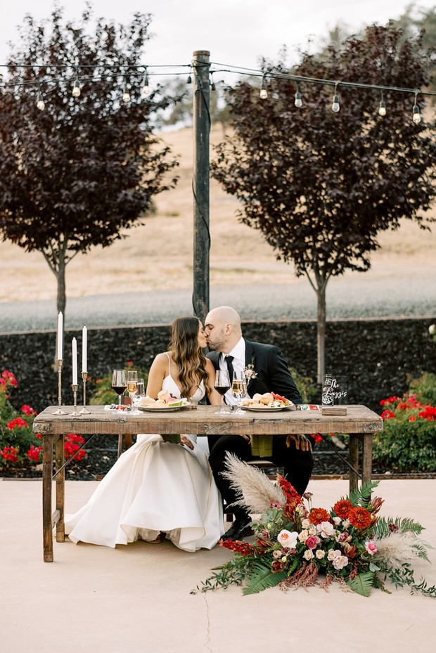 sweethearts at their sweetheart table