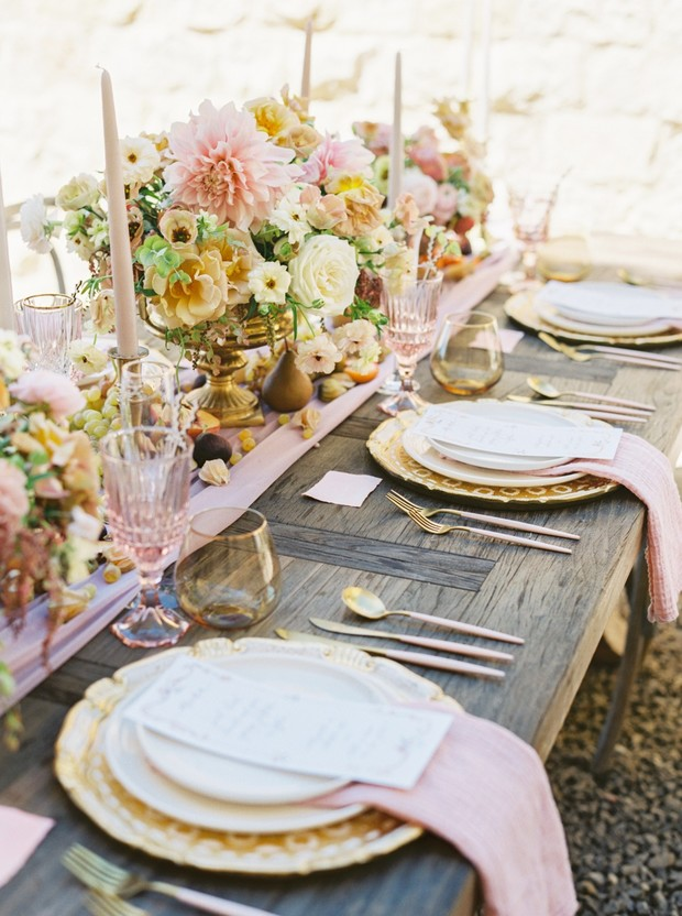 elegant pink and gold wedding table decor