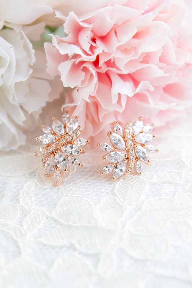 The Wedding Jewelry You Want to Have for Those Getting Ready Shots