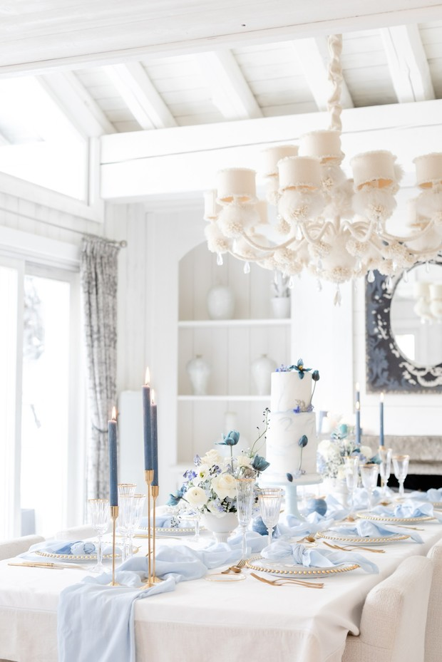 soft white and blue winter wedding table decor