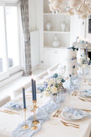 soft blue and white winter wedding table decor