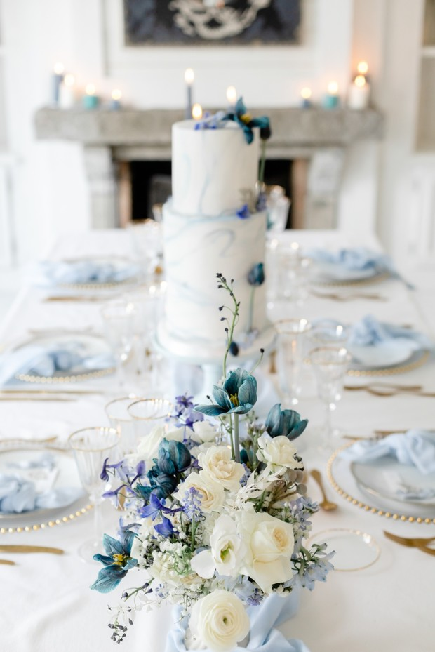 crisp blue and white wedding table decor