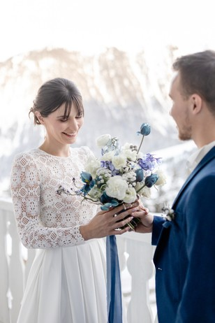 blue and white winter wedding bouquet