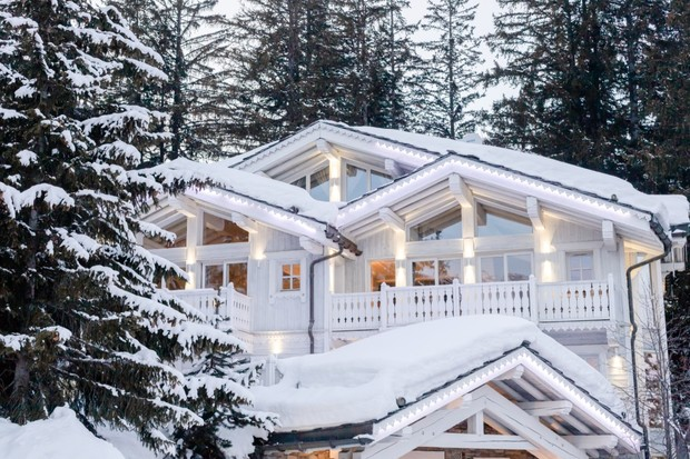 winter cabin in the snowy mountains