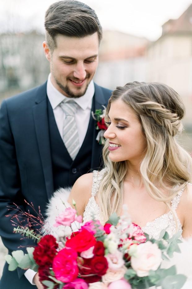 relaxed winter wedding