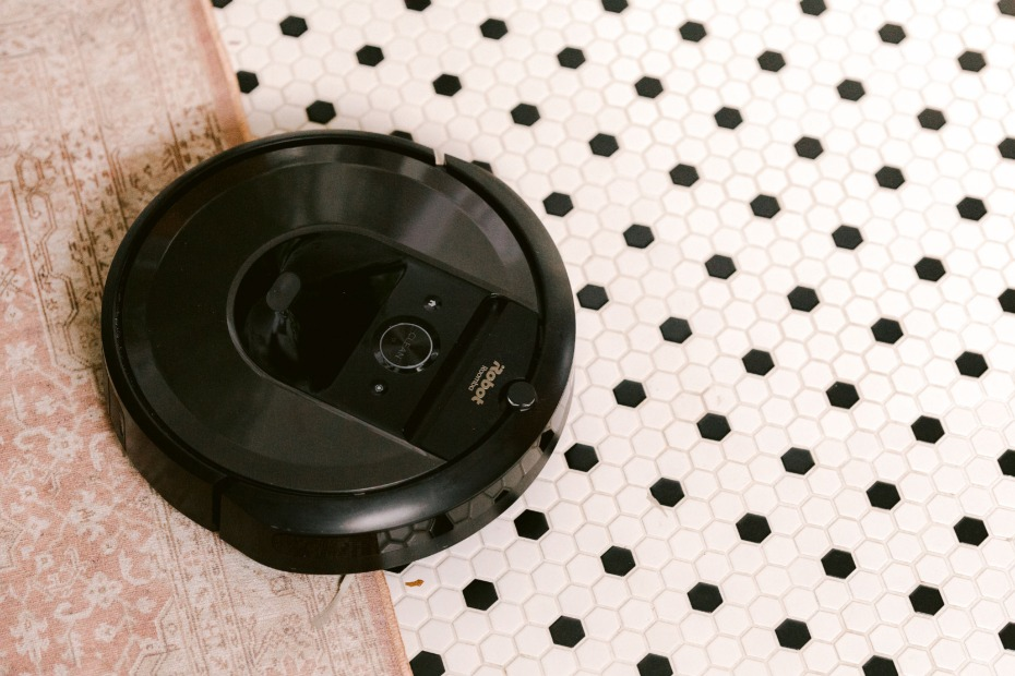 The Roomba 960 robot vacuum